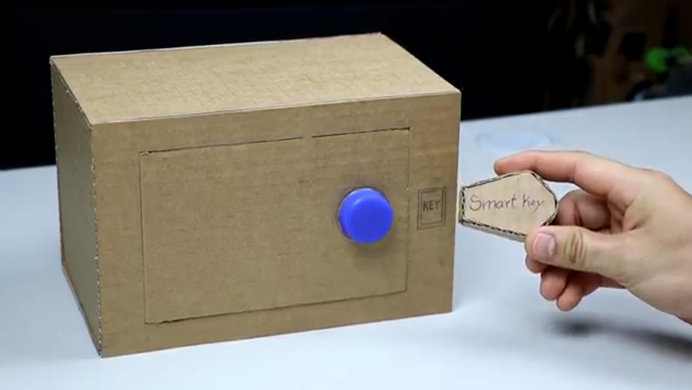 دستسازه-کاردستی-گاوصندوق مقوایی-ماکت-بازیافت