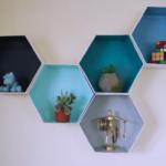 قفسه-دکوری-ساخت-قفسههای-دکوری-رنگارنگ-با-کارتن-مقوایی-تزئینی-زیورآلات-طراحی-فضای-داخلی