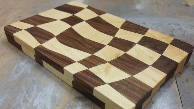 """این پست آموزشی که در ادامه آموزشهای تارنمای """"آکرومارکت"""" است در تلاش هستیم به شما شیوه ساخت و پرداخت یک تخته گوشت چوبی زیبا را آموزش دهیم."""
