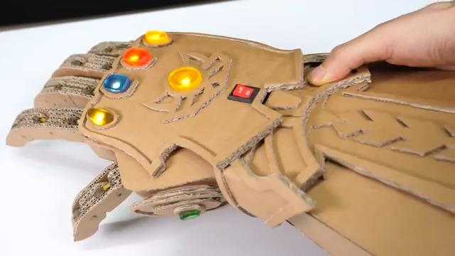 آموزش - کاردستی - دست سازه - کارتن - ربات - آموزش - ابرقهرمان