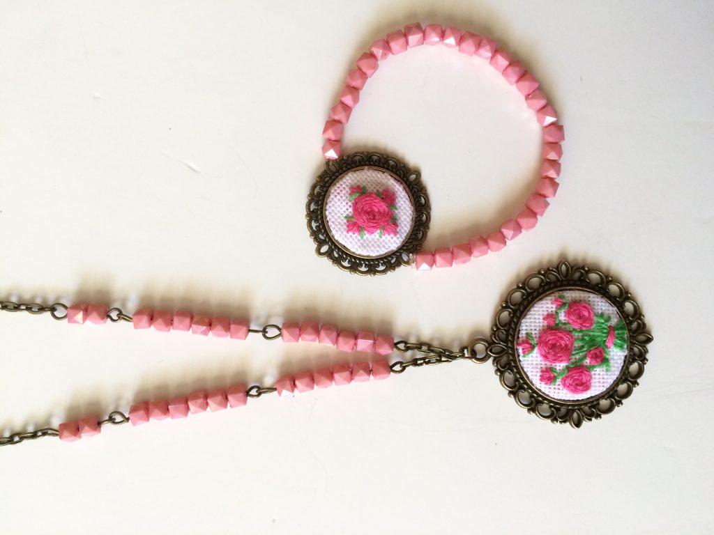 ست گردنبند و دستبند گلدوزی تسبیح دست ساز گلدوزی شده آکرومارکت -دست بند -گردنبند – ست دستبند و گردنبند – قیمت گردنبند – گردنبند دست ساز